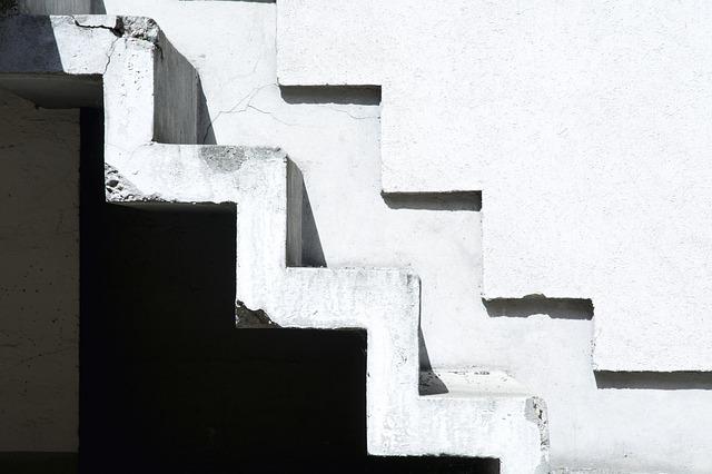 stairs 1715618 640 - ワイヤーフレームの書き方は?作成方法を5つのステップで紹介