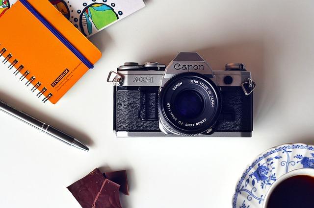 camera 1447349 640 - デザイナーが使うIllustratorとPhotoshopとは?