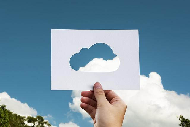 cloud 2104829 640 - 初心者でも簡単!WordPressのバックアップと復元方法まとめ