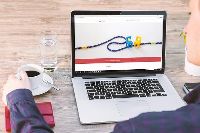 laptop 2443749 640 - WordPressにログインできない9パターン!その対処方法を初心者向けに徹底解説