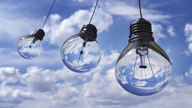 light bulb 1407610 640 - WordPressでプラグインでAMP対応するには?メリット・デメリットは?