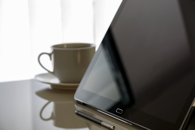 tablet 1939255 640 - サーチコンソールの登録方法とWordpressのSEO対策を簡単に解説