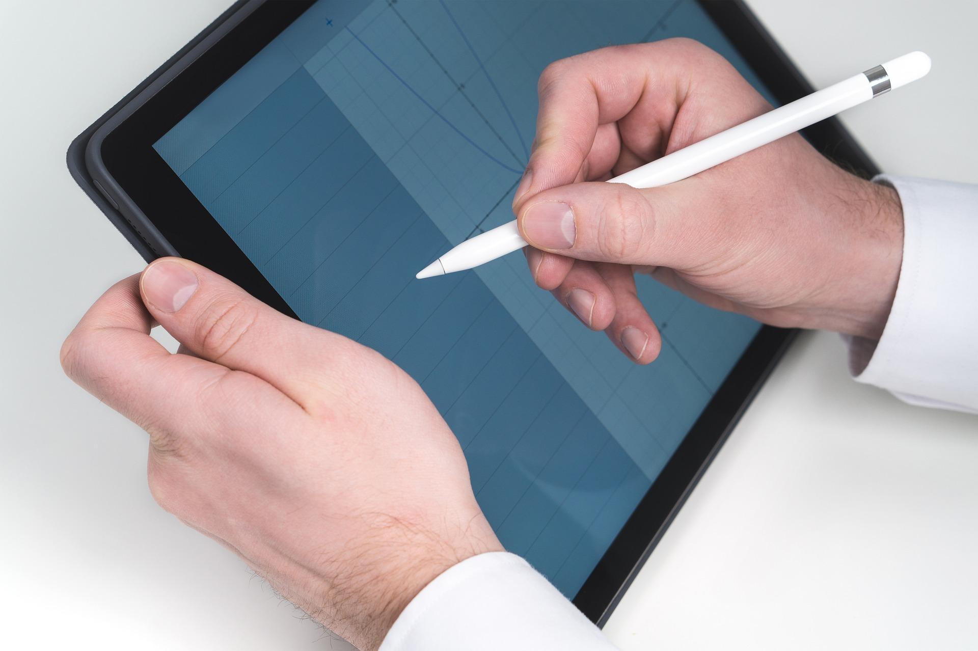 tablet 2188369 1920 - wordpressのアクセス解析プラグイン7つ!初心者向けにやり方を徹底的に解説