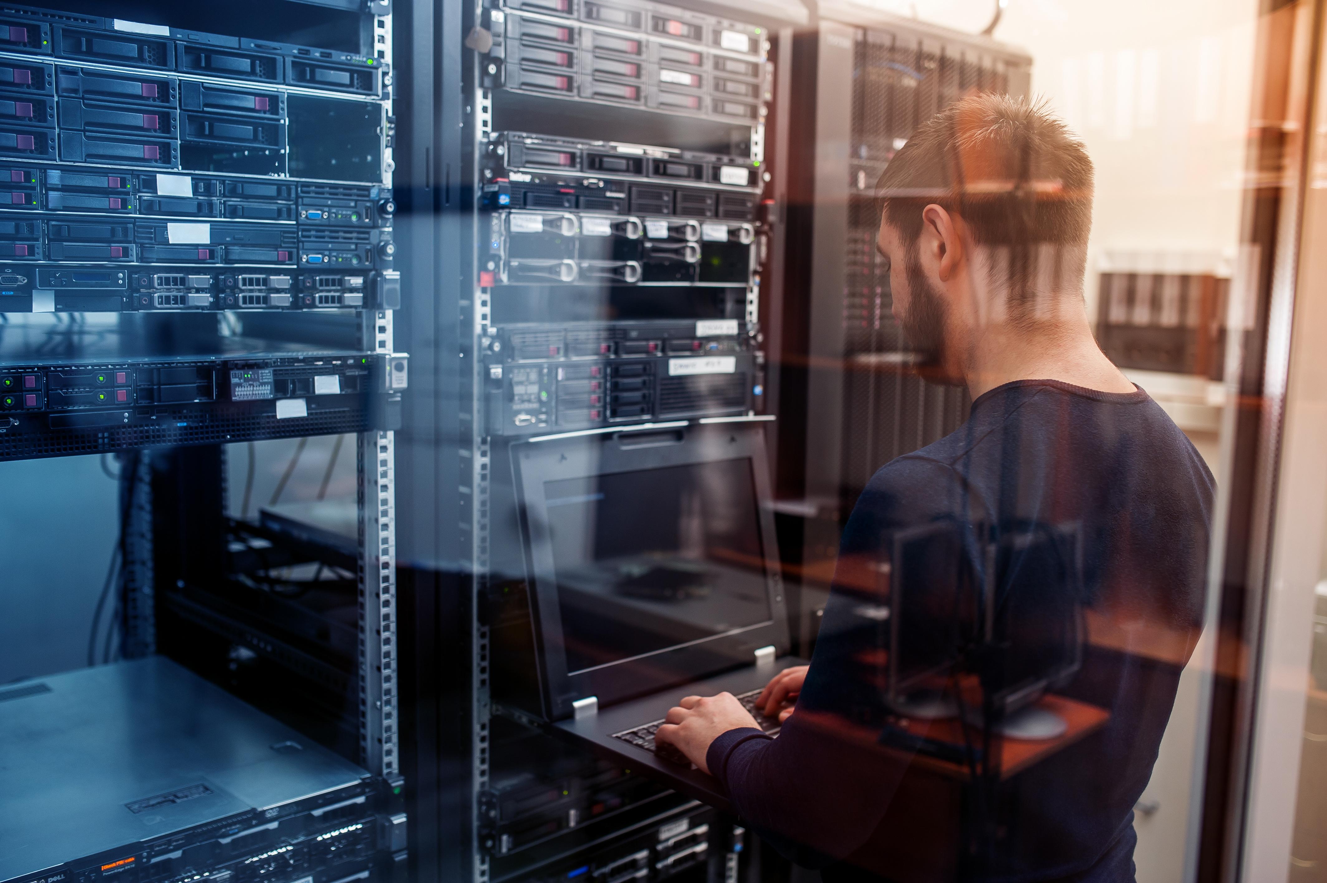 AdobeStock 136283864 - WordPress個人ブログ運営におすすめの安いレンタルサーバーは?設定から移行方法まで初心者に解説