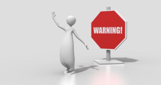 caution 1534205609 530x282 - Wordpressの導入金額の相場は?サイト制作を業者に依頼する際の注意点