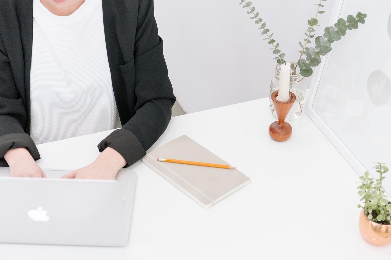 pencil 1538187557 - Wordpressを未経験から学ぶ上で一番おすすめの方法を経験者が紹介